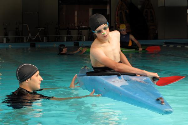 Lezioni di eskimo in piscina